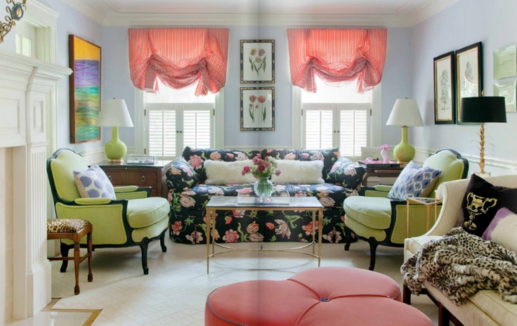 sauvez les canap s fleurs de la ruelle au salon. Black Bedroom Furniture Sets. Home Design Ideas