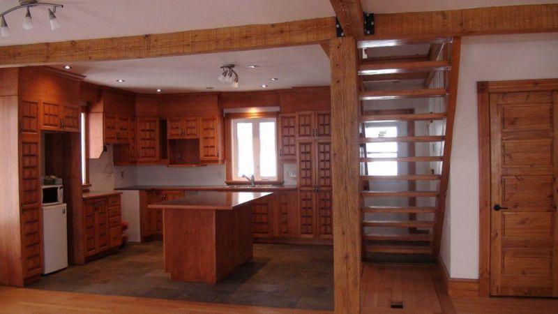 Habiter une maison ancestrale de la ruelle au salon for Maison de campagne interieur